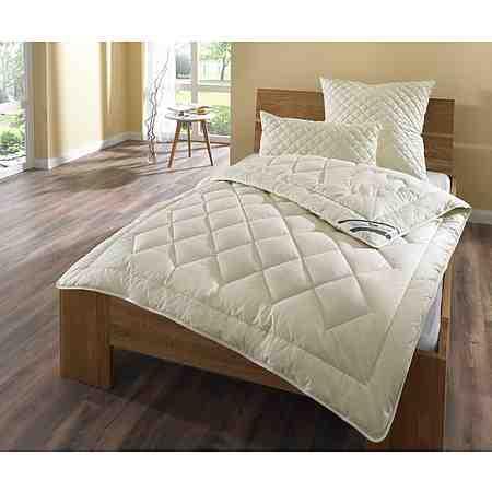 Bettdecken aus Wolle sind ideal für schwitzende Schläfer, da diese Bettdecken neben einer guten Luftzirkulation und einer hohen Feuchtigkeitsaufnahme auch eine Selbstreinigungskraft bieten.