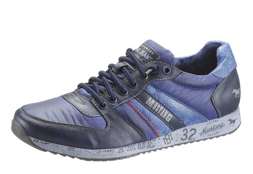 Mustang Sneaker mit starkem Used Look in blau used