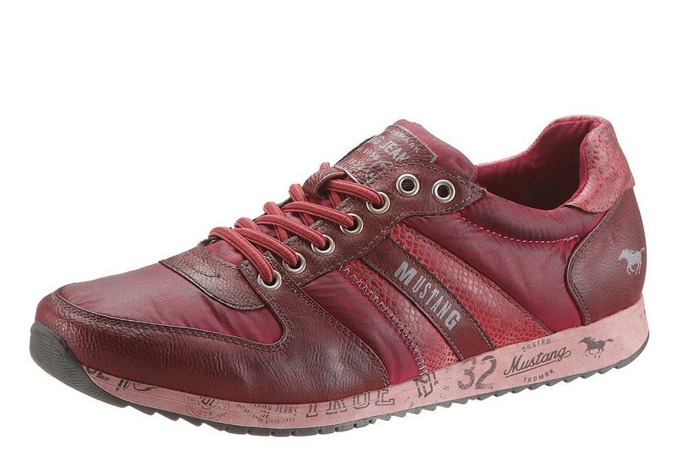 Mustang Sneaker mit starkem Used Look in rot used