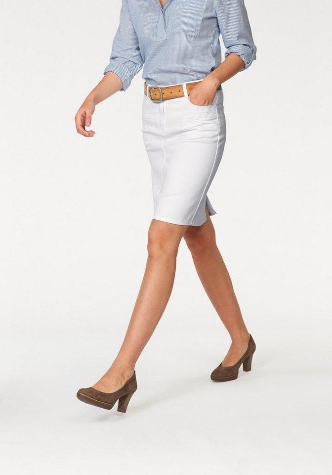Corley Sommerrock mit angedeuteten Sitzfalten in weiß