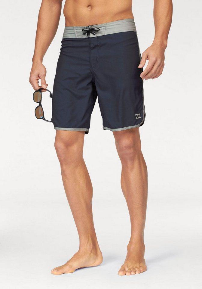 Billabong Shorts in Marine