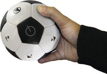 Thumbs Up Weiche Fernbedienung im Fußball-Design »Fußball-Fernbedienung« in schwarz