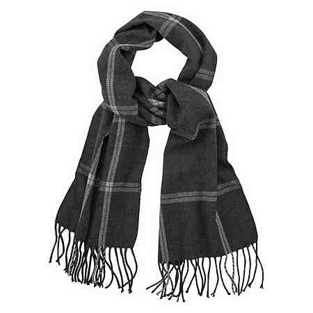Tücher und luftige Schals komplettieren auch diese Saison wieder das Outfit.