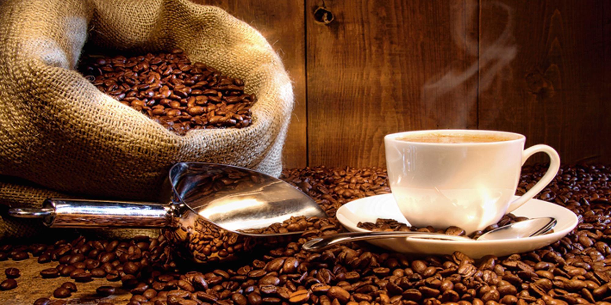 Home affaire Glasbild »S. Cunningham: Kaffeetasse und Leinensack mit Kaffeebohnen«, Kaffee, 60/30 cm