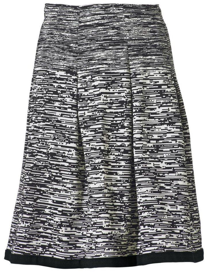Strickrock in schwarz/weiß