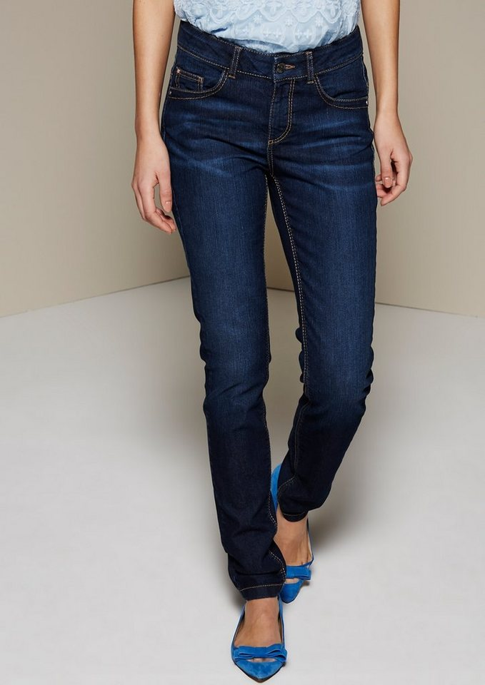 COMMA Lässige Jeans in dezenter Used-Waschung in blue denim stretch