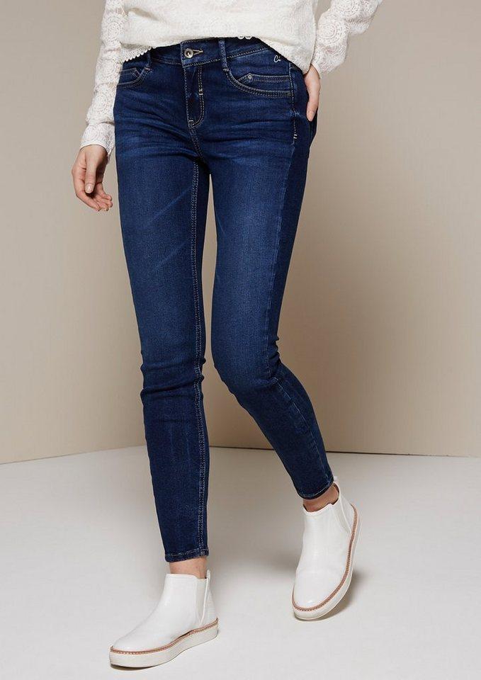 COMMA Klassische Jeans im schönen Used-Look in blue denim stretch