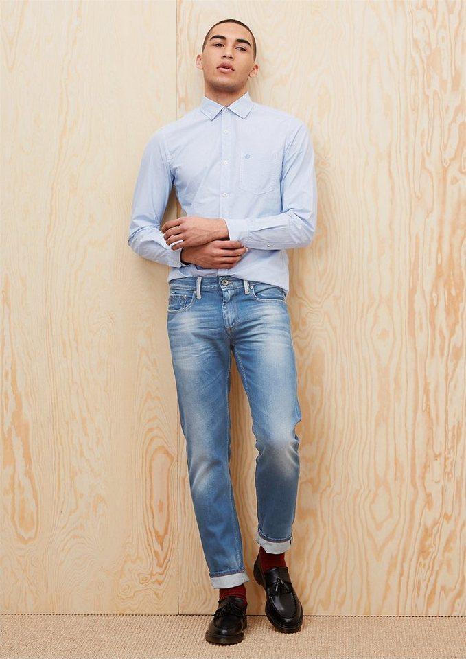 s.Oliver Close Slim: Helle Denim in blue denim non stret