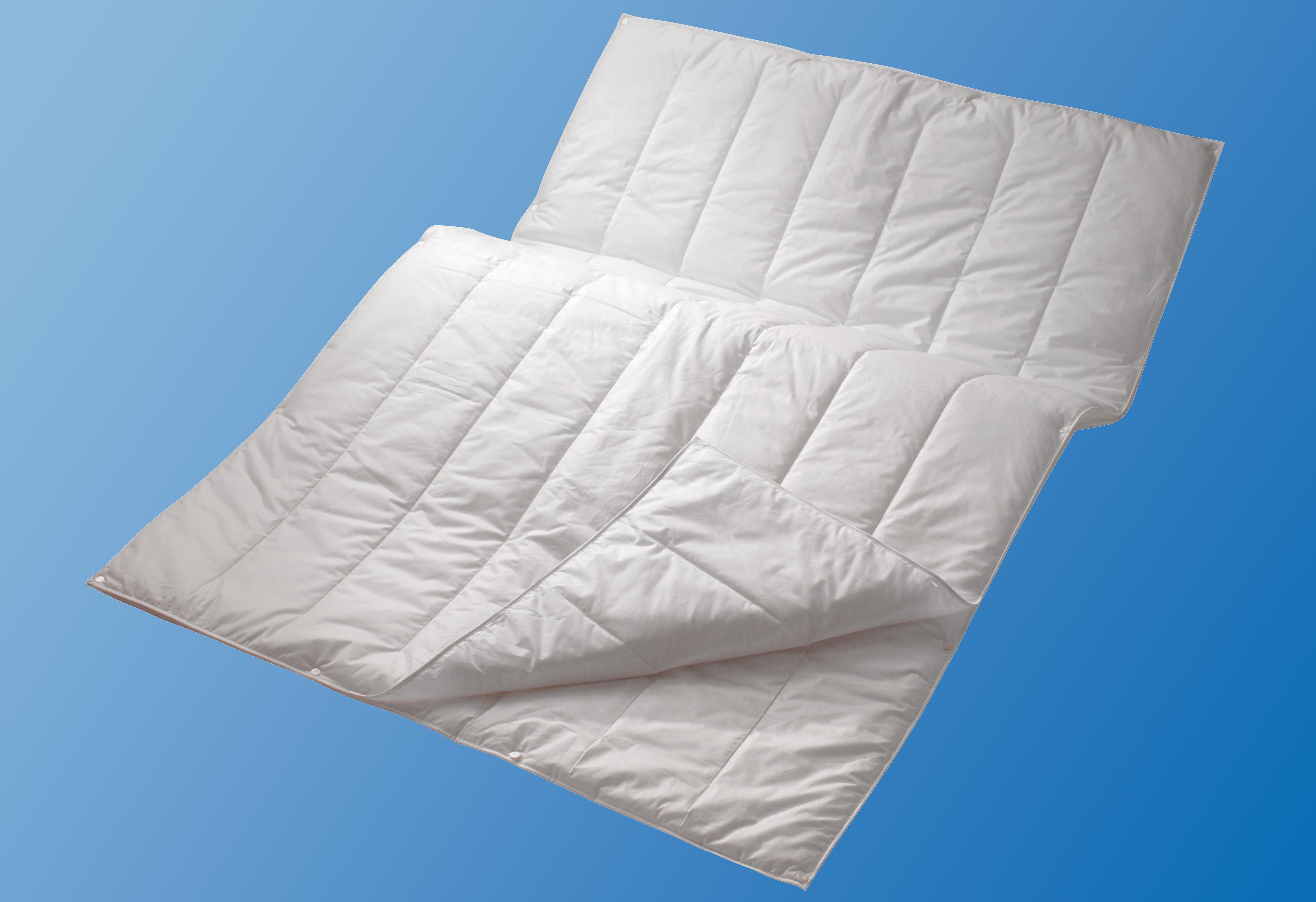 Microfaserbettdecke, »Sport Line«, Centa-Star, 4-Jahreszeiten, Füllung: 3-M-Thinsulate-Microfaser (100% Polyester), Bezug: 100% Baumwolle, (1-tlg)