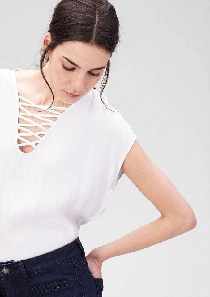 s.Oliver PREMIUM Weite Bluse mit reizendem Ausschnitt in white