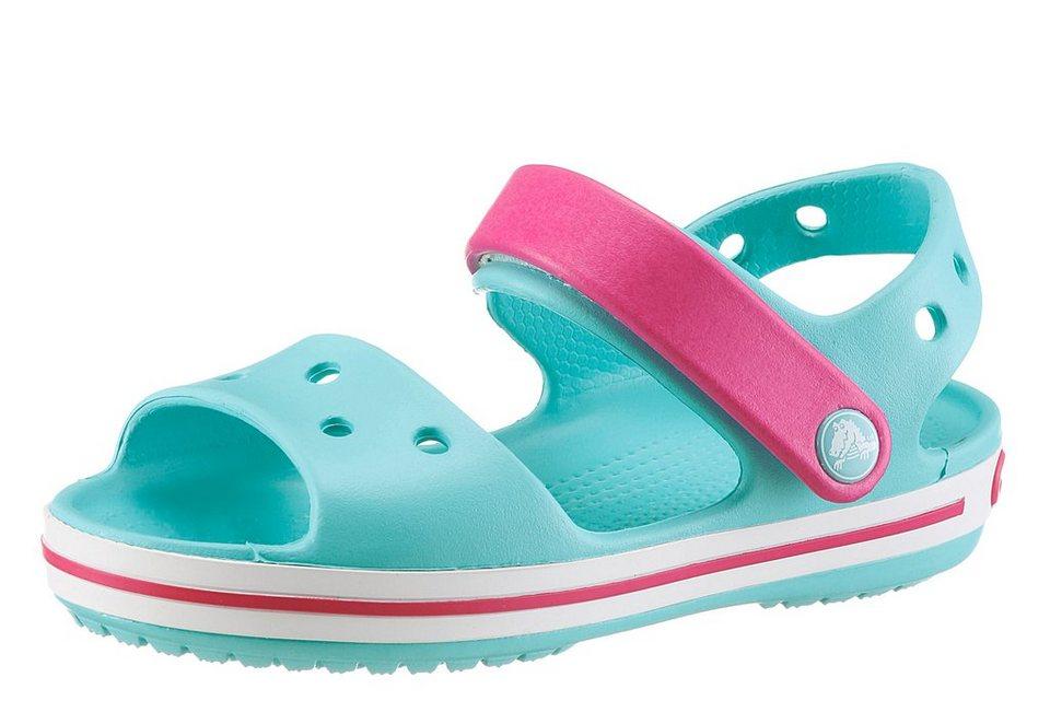 Crocs Sandale mit Klettverschluss in türkis-pink