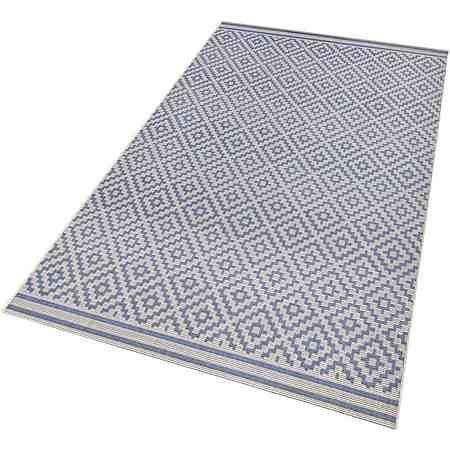 Outdoor Teppiche sind für drinnen und draußen geeignet: sie sind sehr strapazierfähig, einfach zu reinigen und verschönern sowohl jeden Raum als auch die Terrasse!