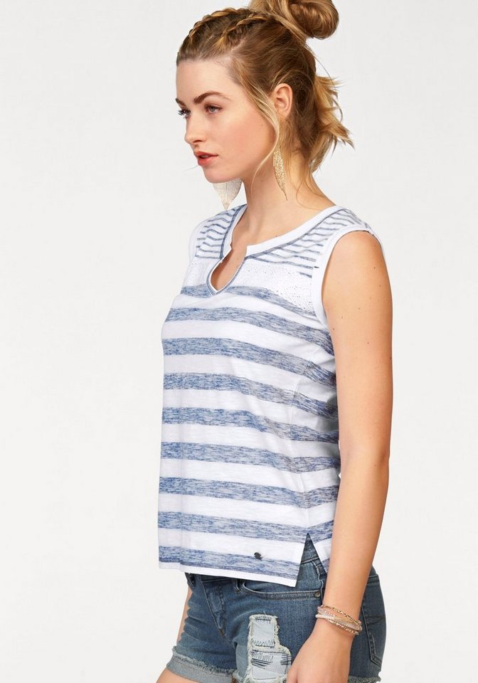 AJC T-Shirt mit Streifen und aufgesetzer Spitze in indigo-weiß