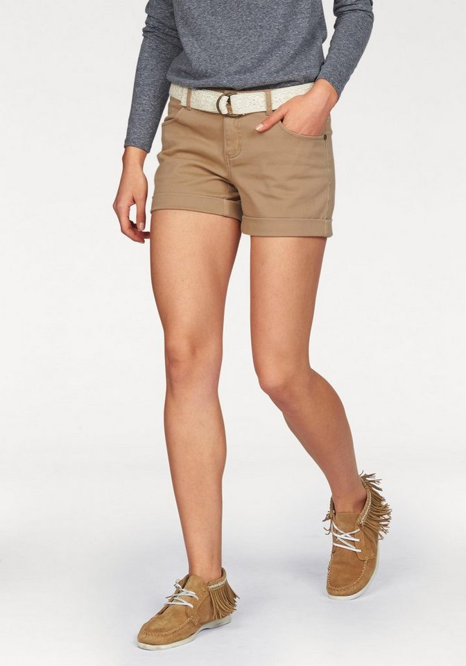 AJC Shorts incl. Gürtel mit Häkelbesatz in camelfarben