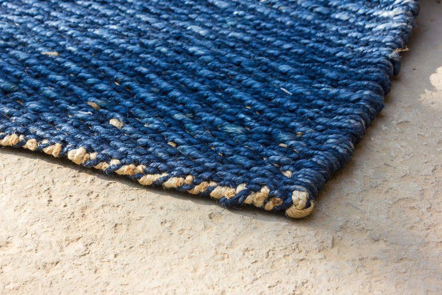 Handwebteppich in blau