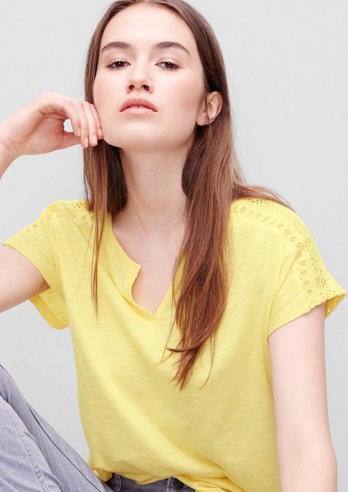 s.Oliver RED LABEL T-Shirt mit Spitzen-Einsatz in lemonade