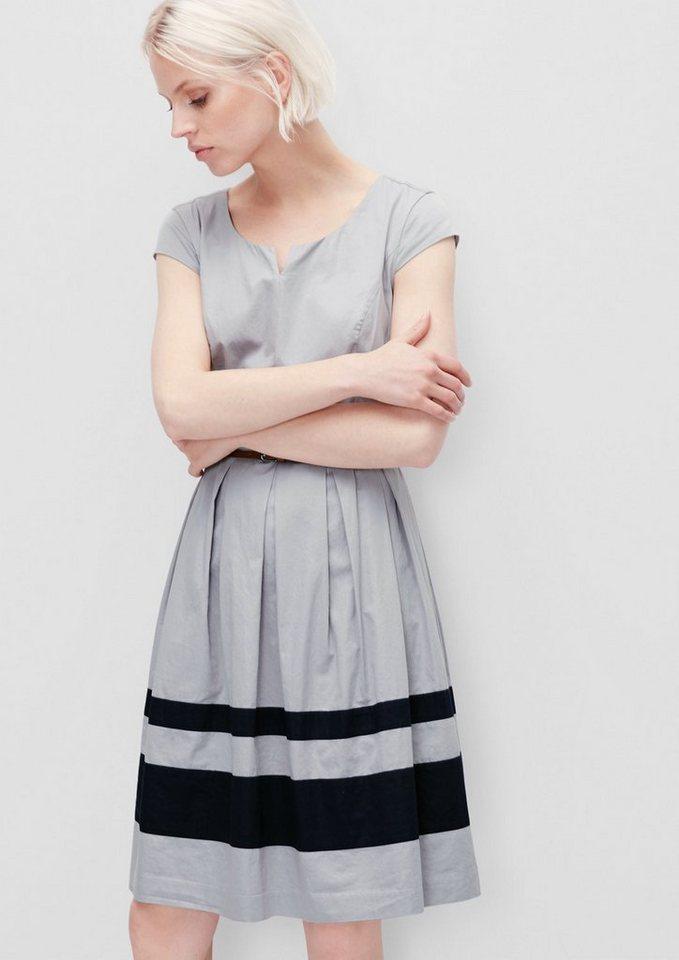 s.Oliver RED LABEL Ausgestelltes Kleid aus Satin in silky grey