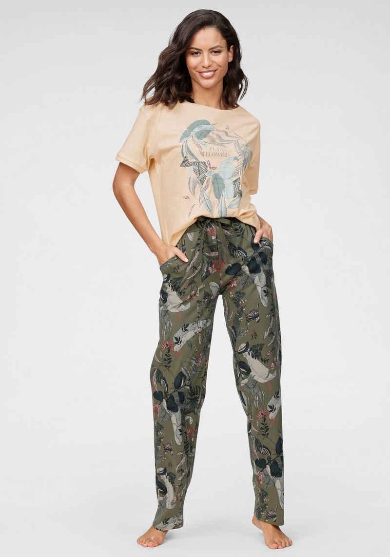 Triumph Pyjama mit tropischen Blätterprint