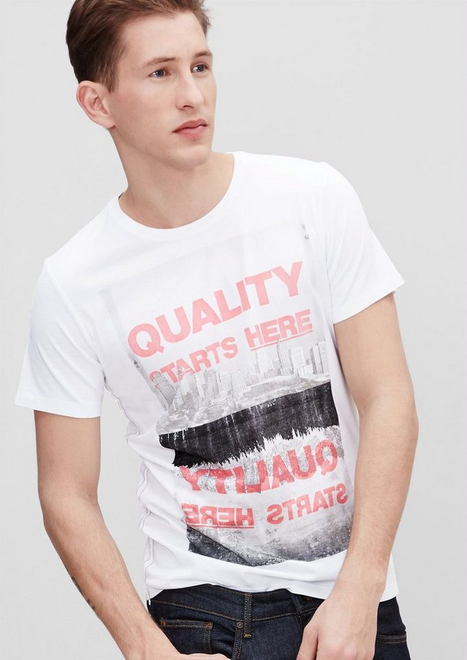 s.Oliver RED LABEL Schmales T-Shirt mit Print-Collage in white AOP