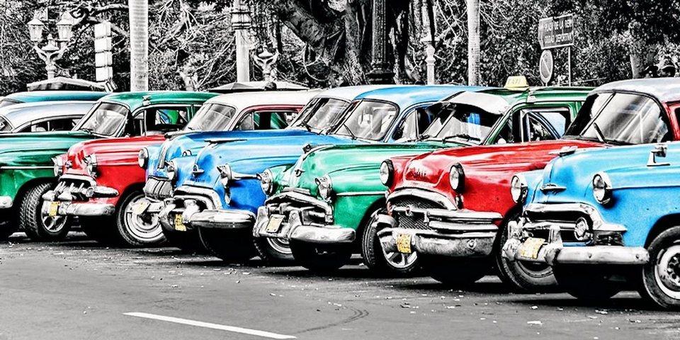 Home Affaire Bild, Kunstdruck, »John Lynn / Vintage cars in Cuba«, 70/33/1,3 cm in bunt