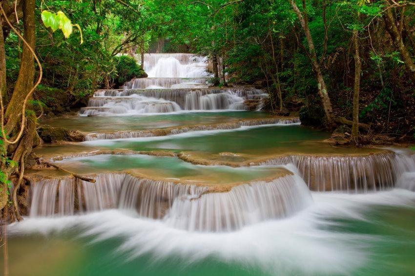 Home affaire Fototapete »Deep Forest Waterfall«, 350/260 cm in grün/weiß