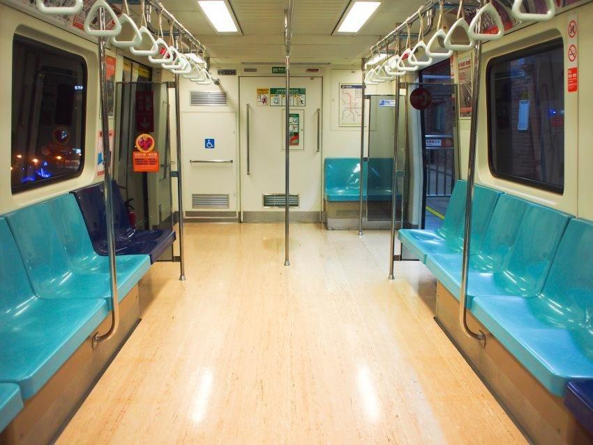 Home affaire Fototapete »Empty Subway«, 350/260 cm in beige/türkis