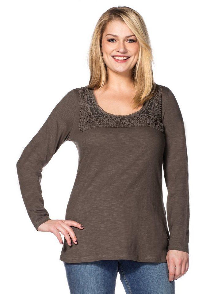 sheego Style Langarmshirt mit Spitze am Rundhalsausschnitt in taupe