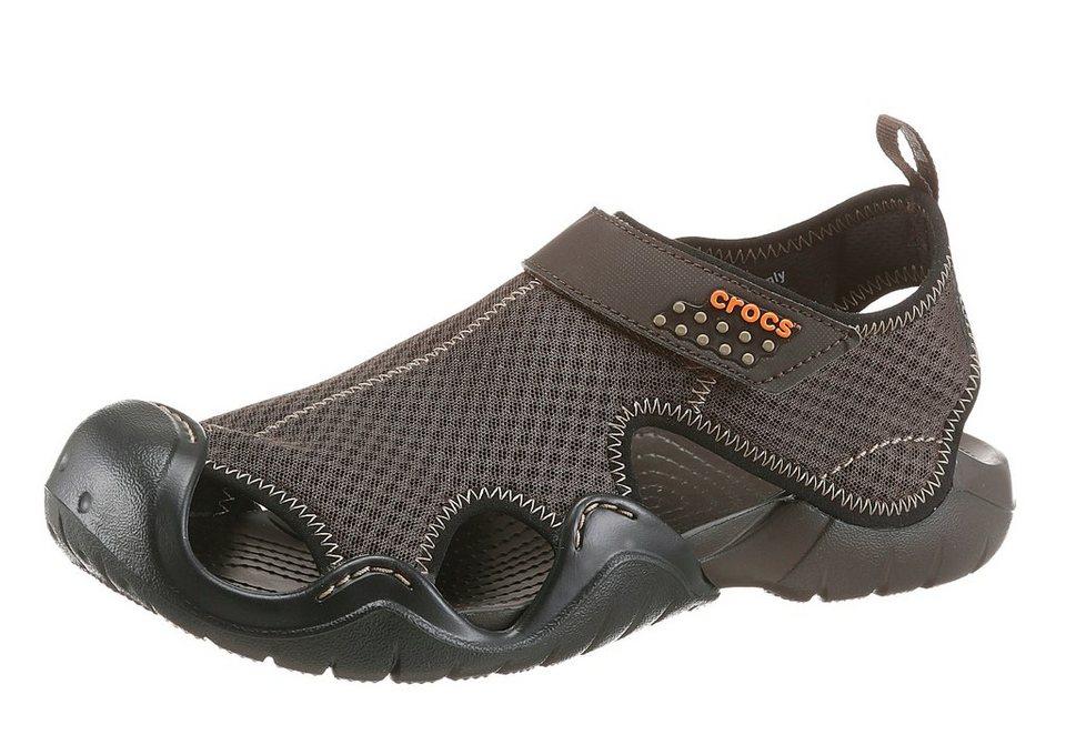 Crocs »Swiftwater Sandal« Sandale mit Klettverschluss in dunkelbraun