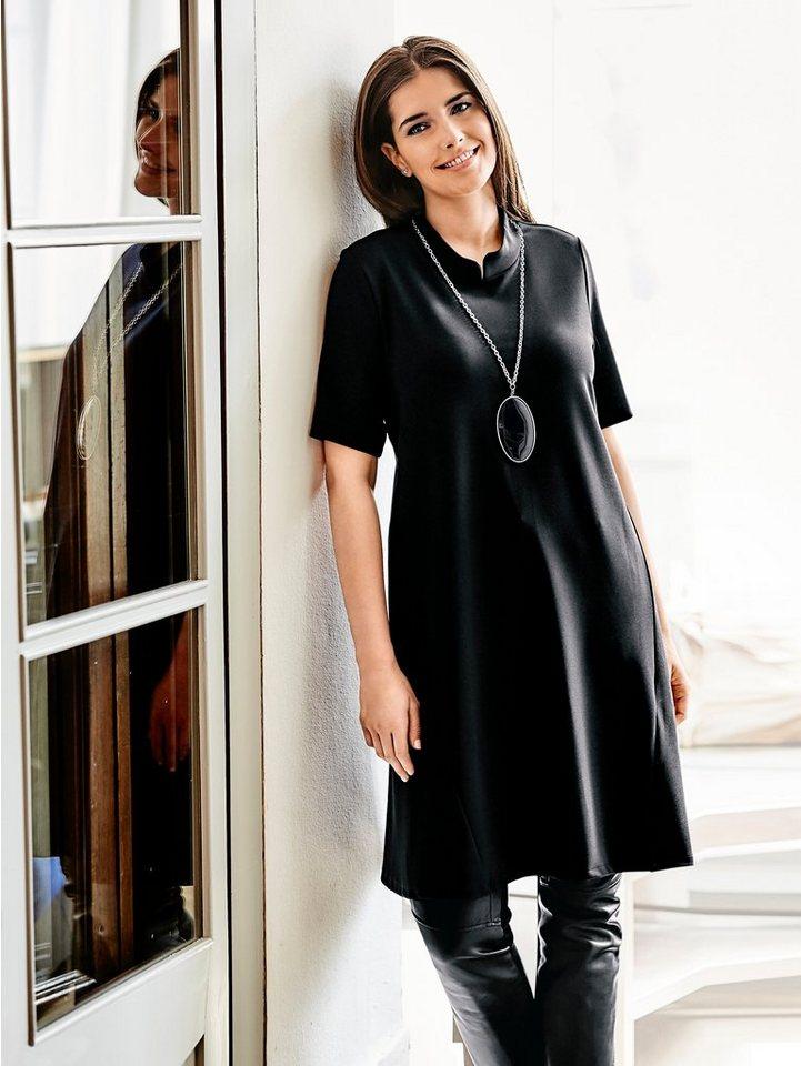 Halbarmkleid in schwarz