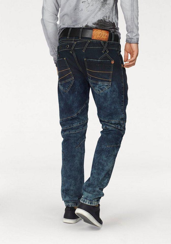 Cipo & Baxx Straight-Jeans mit schönen Details in moonwashed