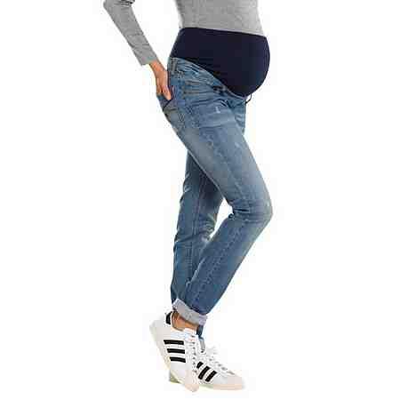Neun Monate 5-Pocket-Jeans mit leichten Used-Effekten