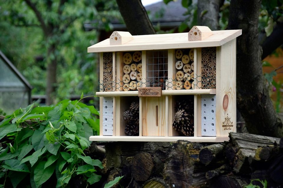 Insektenhotel »Landsitz Superior« in natur