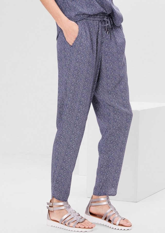 s.Oliver RED LABEL Leichte Stoffhose mit Minimalmuster in navy AOP