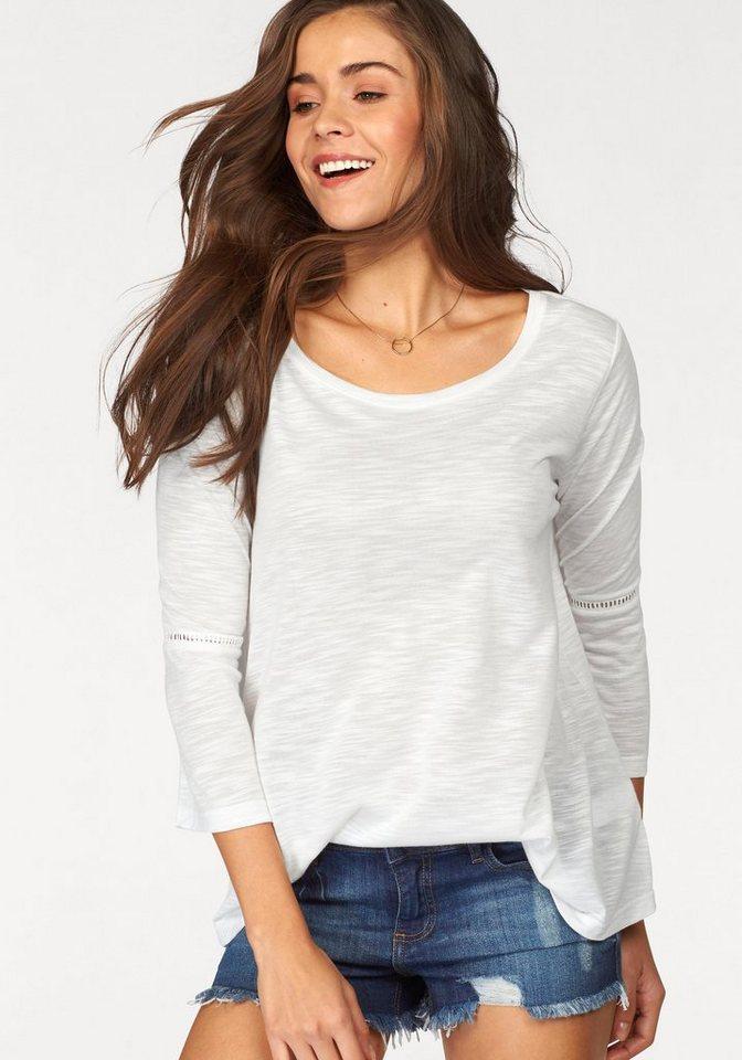 LASCANA Shirt mit Häkeleinsätzen an den Ärmeln in offwhite