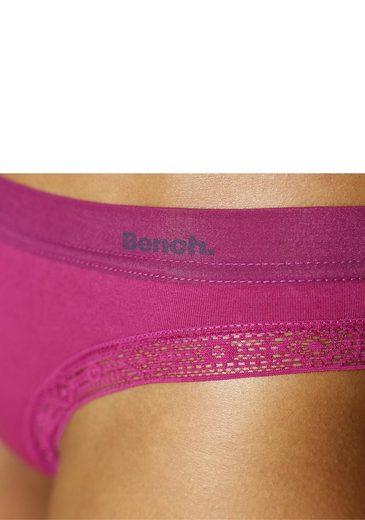 Bench. Bikinislips mit extradünnem Logobündchen (3 Stück)