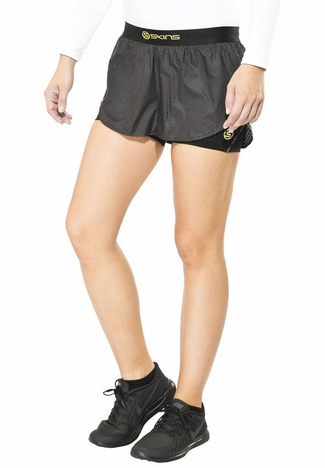 Skins Jogginghose »DNAmic Superpose Short Women« in schwarz