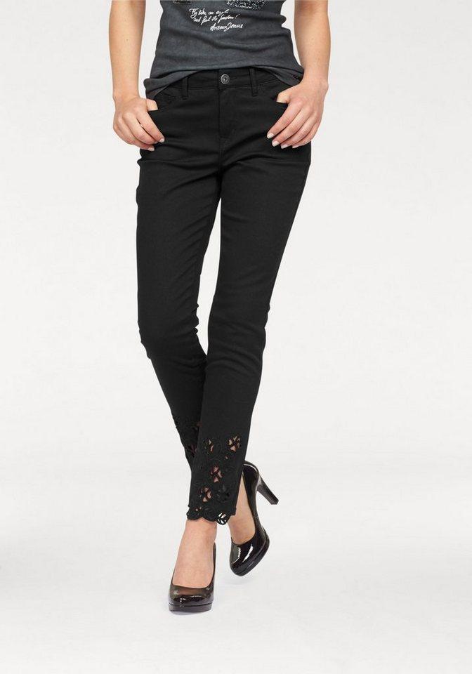 Arizona 5-Pocket-Jeans mit Stickerei am Saum in black-used