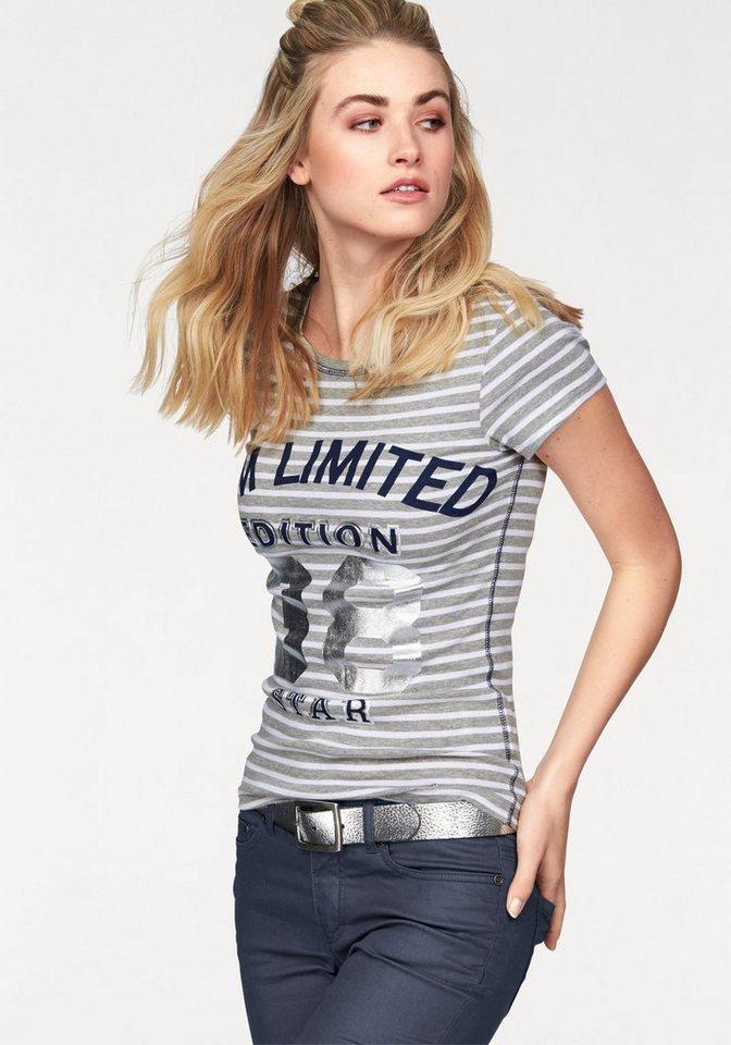 AJC Rundhalsshirt mit Streifen und silber glänzenden Druck in grau-weiß