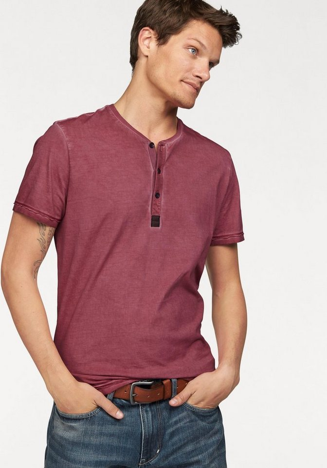 s.Oliver RED LABEL Henleyshirt in rot