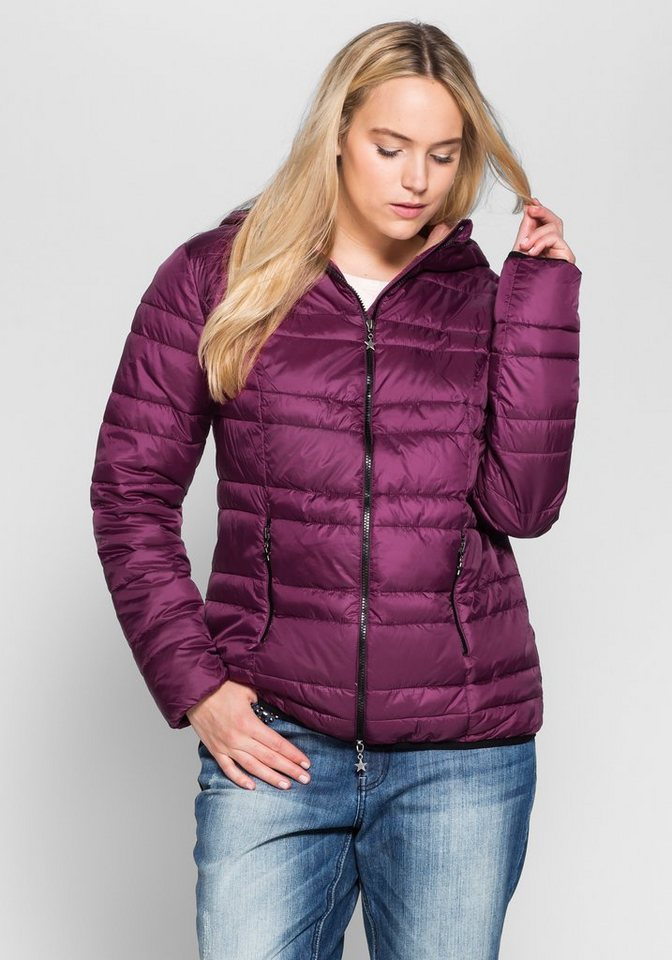 sheego Casual Leichte Steppjacke mit Kapuze in beere