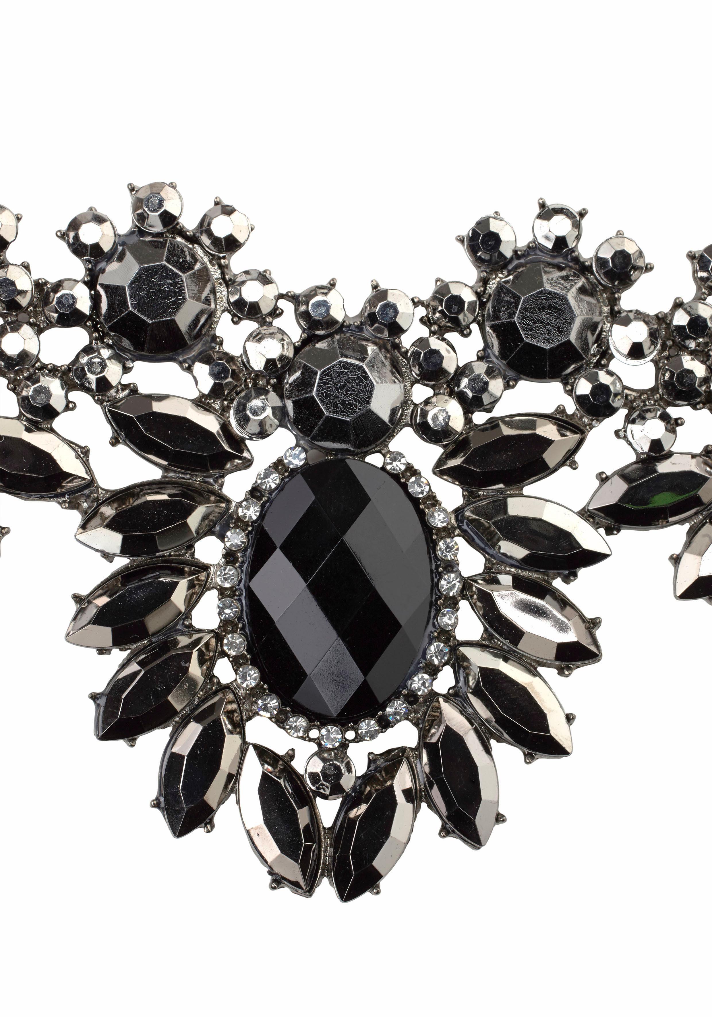 J. Jayz Collier im floralen Design