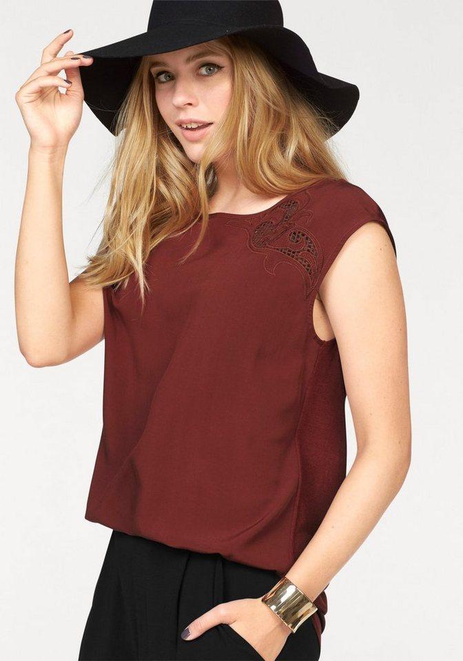 Vero Moda Shirtbluse »GAIA« mit Lochstickerei in rostrot