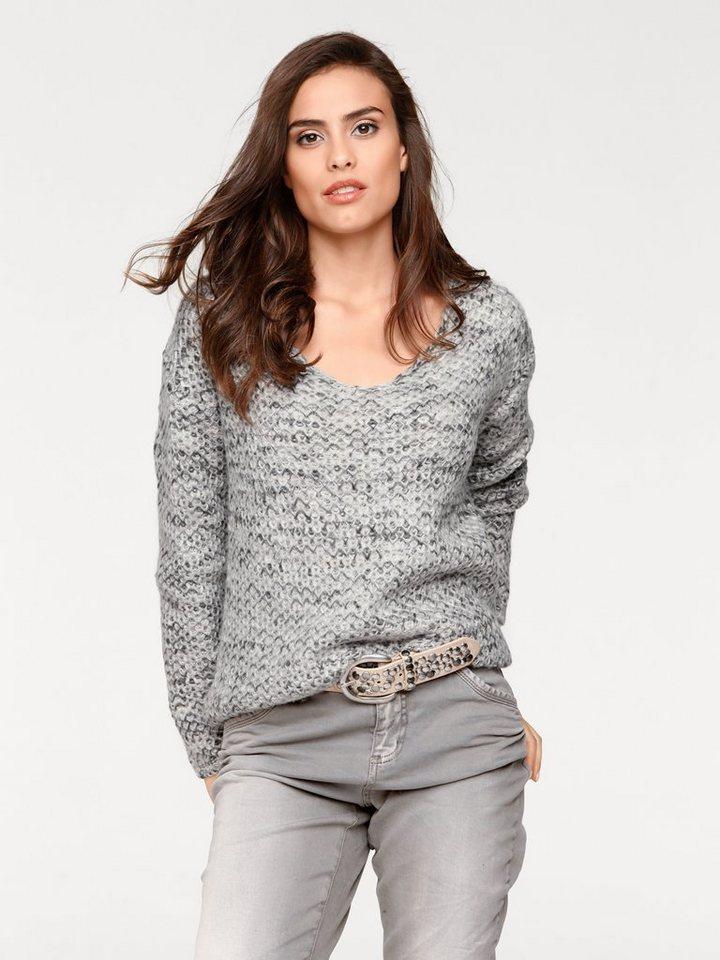 V-Pullover in grau