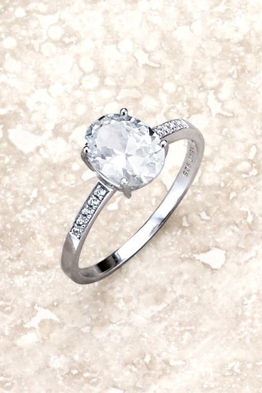 Next Solitaire-Ring aus Sterlingsilber mit Kristalldetail in Silberfarben