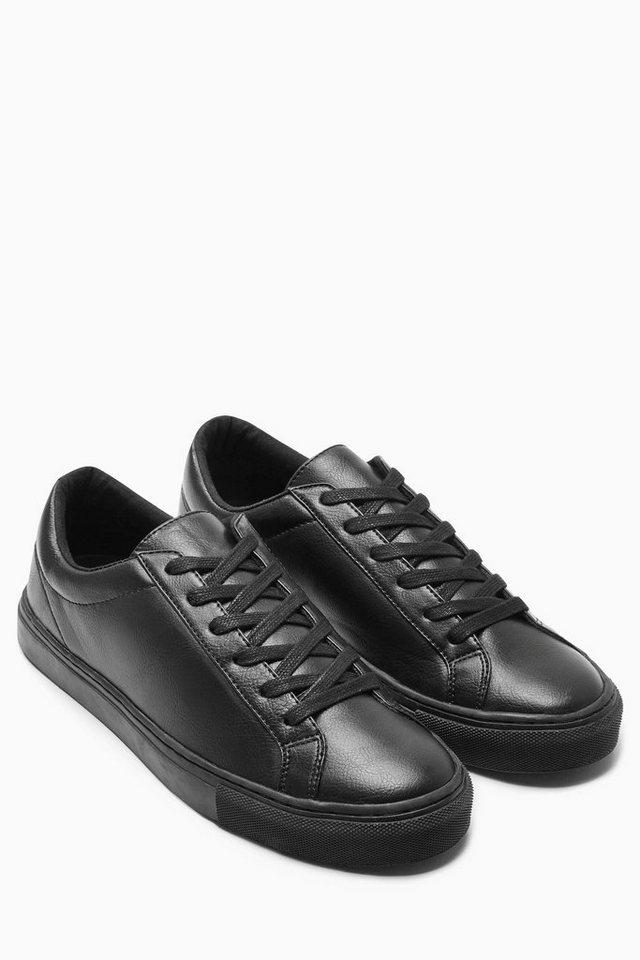 Next Sneaker in Black