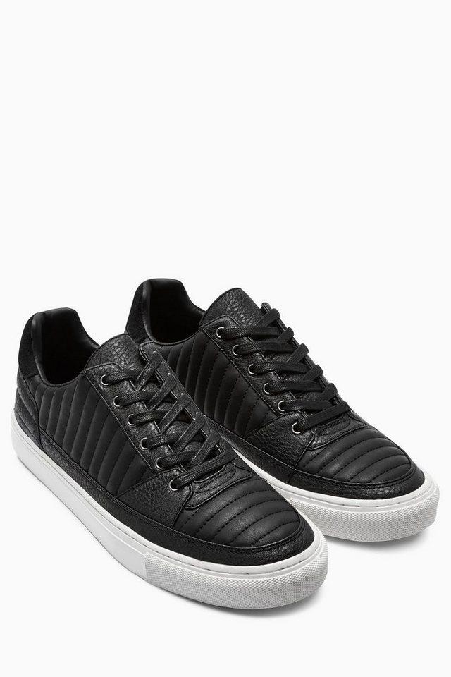 Next Sneaker in Steppoptik in Schwarz