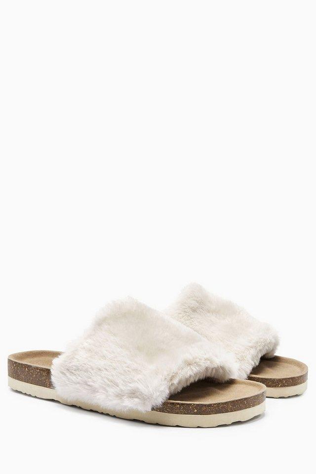 Next Sandale in Felloptik in Cream
