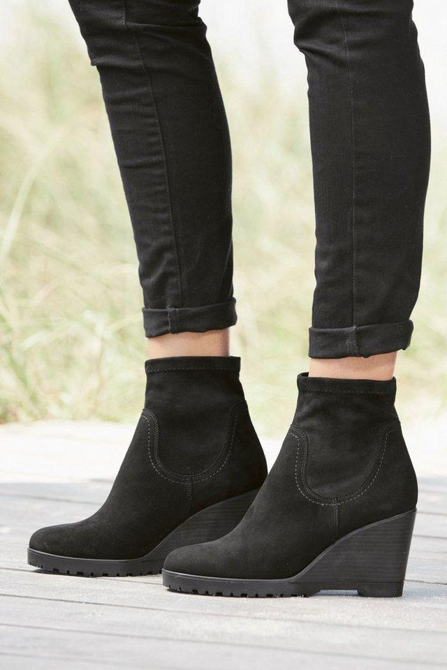 Next Stiefel mit Keilabsatz in Schwarz