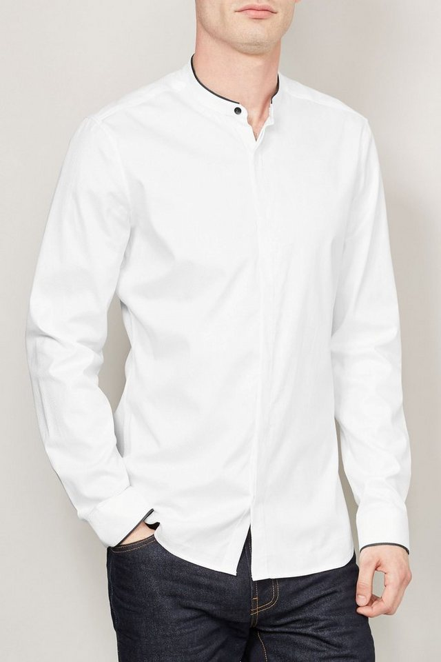 Next Hemd mit kleinem Stehkragen und Kontrastkanten in Weiß