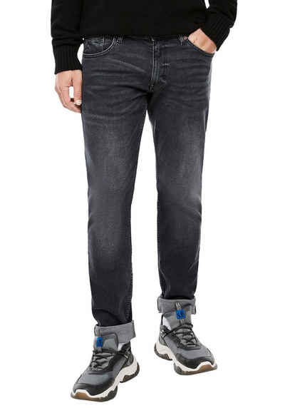 Q/S by s.Oliver Straight-Jeans »RICK« leichte Used-Waschung